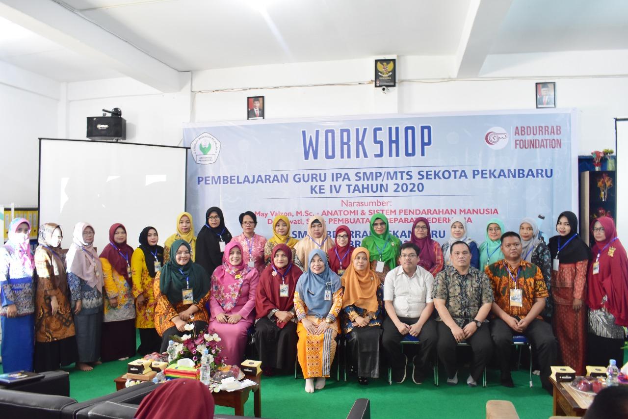 51-smk-abdurrab-inisiasi-workshop-merancang-pembelajaran-ipa-tingkat-smp-se-kota-pekanbaru